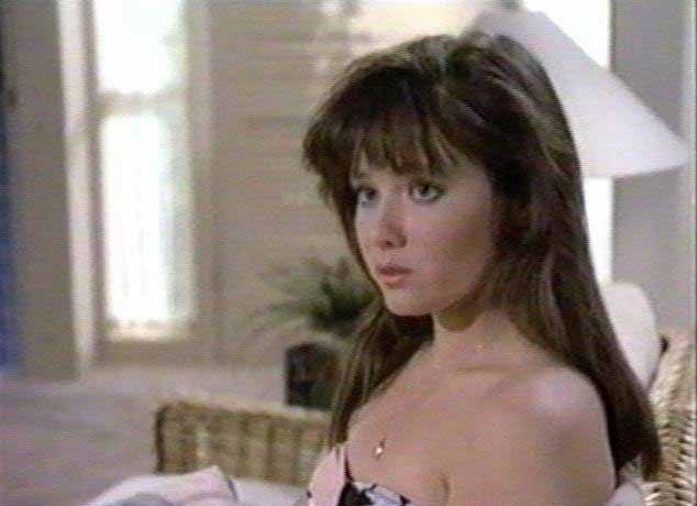 Shannen doherty in the shower 5
